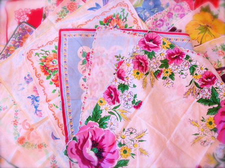 Craft Ideas Vintage Handkerchiefs on Idea   Romantic Vintage Handkerchief Table Coverlet   Chindeep