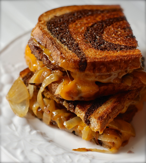 patty melt sandwich with caramelized onions | ChinDeep