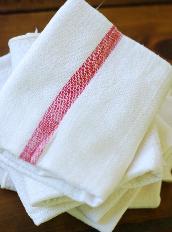 redwhitevinttowels