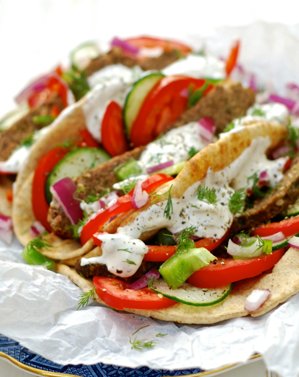 greek gyros {crock pot recipe} | ChinDeep