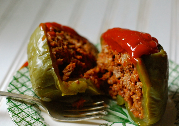 stuffed green peppers {crock pot recipe} | ChinDeep
