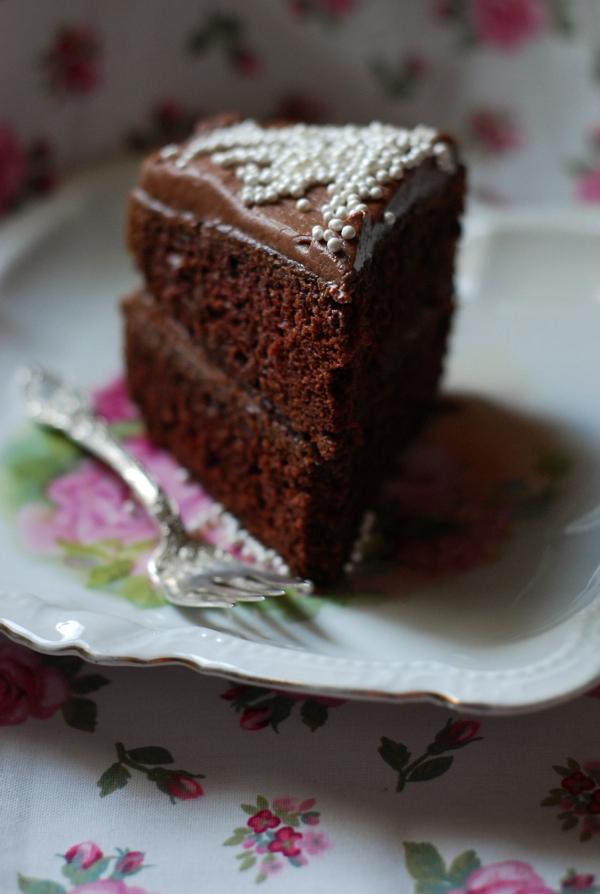 Valantine Cake Stuffed With Strawberry Jam